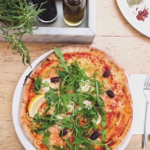 • Repas du midi • ?? Food Foodporn Italian Food Pizza