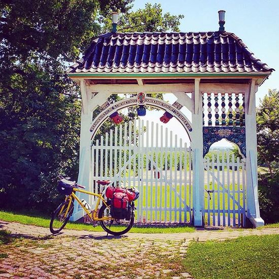 "First kilometers are made. Entering ""Altes Land"" Region, south of river Elbe. Heading to river Oste. Weekend Biketouring Cycling Travel Instatravel Reise Fahrradfahren Fahrrad Radtour 😚 Elbe Altesland Hamburg Welovehh 😚 Sport Fitfornix Velotraum Oste"