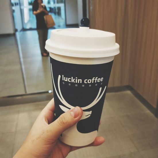 Human Hand Drink Holding Coffee - Drink Close-up