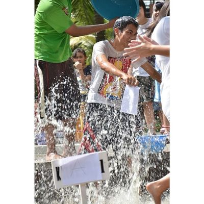 Prank!! Splash!! Splash!! I wasn't good at fast reading, especially reading Declaration of Independence in only 10sec. TBT  Throwback Highschool
