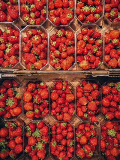 Strawberry Eat More Fruit Show Me Your Grid... Fruchtalarm