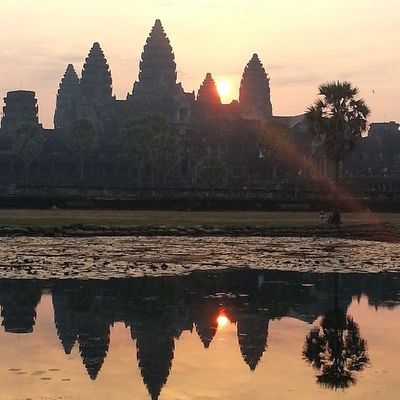 Sunrise at 7AM. Cambodia Siemreap Sunrise Wanderkat Angkorwat Katssunrise