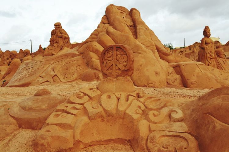 Sand Sand Sculptures Sand Sculpture Sand Sculpture Park Sculpture Peace And Love ✌