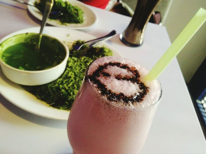 EyeEm Selects food Food And Drink Indoors  Drinking Straw Refreshment Indulgence Freshness Frothy Drink Drinking Glass Matcha Tea Drink Food Healthy Eating Close-up No People Sweet Food Ready-to-eat Day greenrice Indian Food Shakes Pinkdrinks Food Stories This Is Latin America EyeEmNewHere