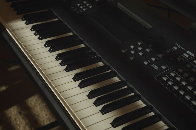 Keyboard Music Musical Instrument Musical Equipment Piano Keyboard Arts Culture And Entertainment Piano Key Keyboard Instrument Indoors  No People Close-up High Angle View Synthesizer Audio Equipment Technology White Color Still Life Full Frame