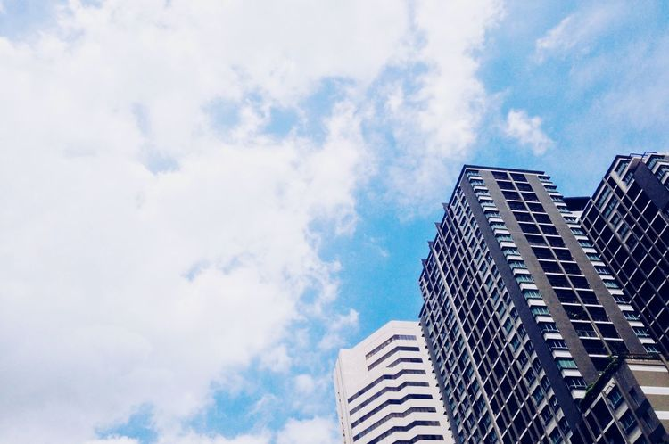 Architecture Sky Outdoors Weekday_life Building Exterior Building IPhoneography IPhonephotographer Perspective City No People Wanderlust View Bottoms Up Bangkok Thailand. Bangkok Sunshine ☀ No Photoshop