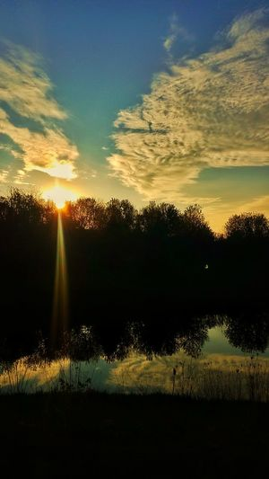 Cloud - Sky No People Sunset Sunlight Sky Nature Outdoors Tree Beauty In Nature Day Lake Sunrise