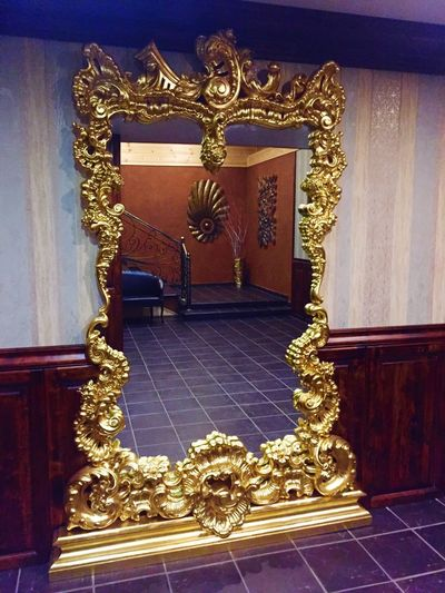 Вход ... Indoors  No People Gold Colored Architecture Mirror Decoration Art And Craft Gold Luxury Frame Creativity