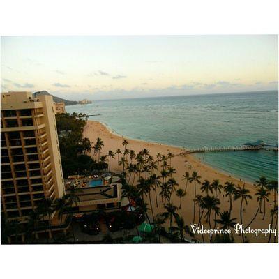Waikiki Photography By: @Videoprince Hawaii Waikiki 808  Alohastate Venturehawaii Instagram Instatravel Hnnsunrise Photographer Cameralife Photography Oahu Beautiful Beach Sand Hotel Diamondhead Islandlife HiLife