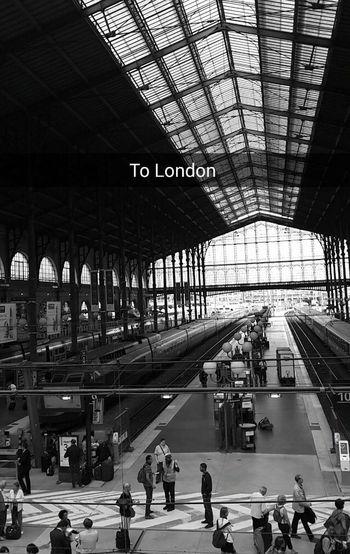 شرايكم بس لما اروح لندن وانا باقي بالخبر ☺️ حرام الواحد يتخيل ?
