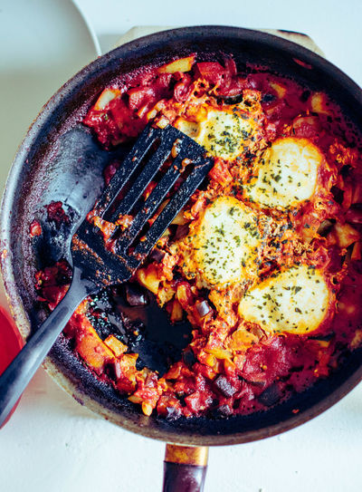 Close-up Cooking Pan Directly Above Food Food And Drink Freshness Fried Healthy Eating Heat - Temperature Household Equipment Indoors  Kitchen Utensil Meal No People Pan Preparation  Ready-to-eat Shakshuka Skillet- Cooking Pan Still Life Vegetable Wellbeing
