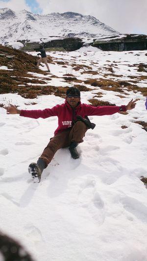 Taking Photos Its Me! Snowing Himachalpradesh