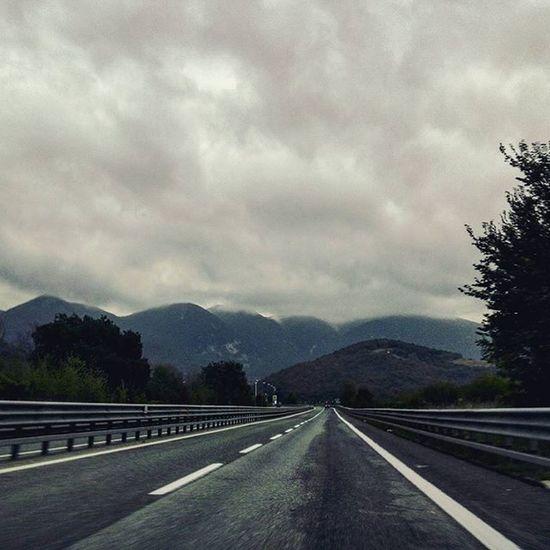 🚗 on the road - 2 Ontheroad Comebackhome Street Road Mountains Umbria Marche Italia Igersumbria Igersmarche Igersitalia Sky SkyClouds Clouds Cloudslovers Cloudscape Cloudy Rain RainyDay Lategram Grey Greysky Landscape