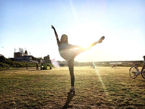 バレエ Ballerina Ballet Dancer Ballett Ballerinas Ballet Class Ballet Shoes Ballerina Girl Ballerina Photoshoot Ballet ❤ Ballet Studio Ballet Ballerinas👭💕 Ballerina Photography The Street Photographer - 2017 EyeEm Awards