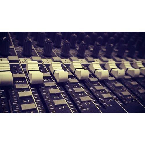 In Studio JungleAudioPost Analog Mixer Vintageinstrument analogmixer