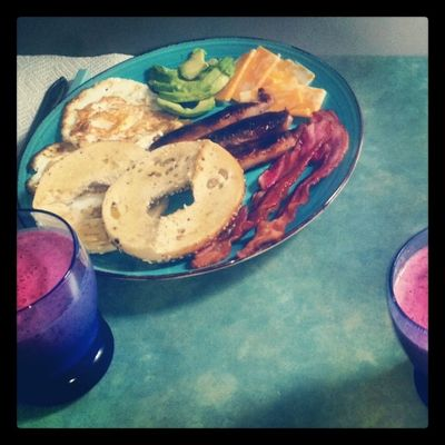 Home Byebyehangover now lets see if I can actually eat it :-) Delicious Breakfastofchampions Bagel avocado sausage bacon smoothie breakfast ugh