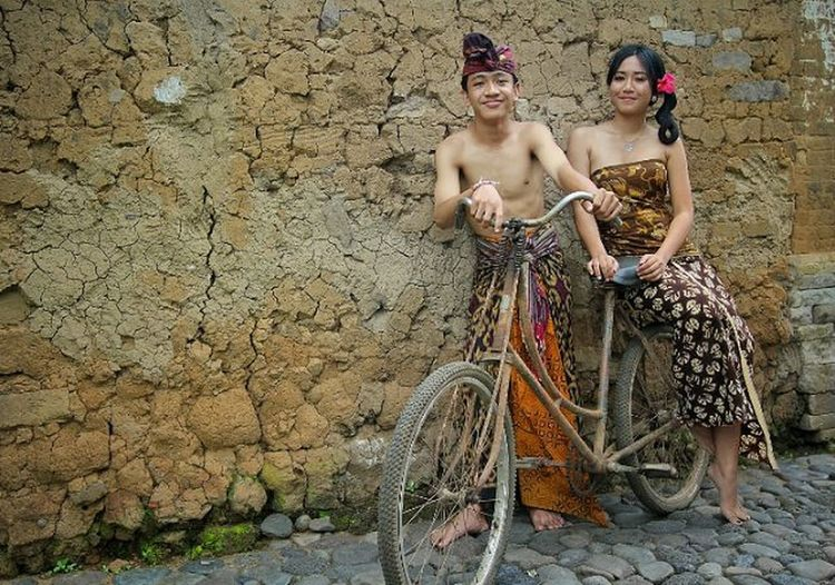 Balinese Culture First Eyeem Photo Old City Young Adult Beauty Looking At Camera Eyemweek