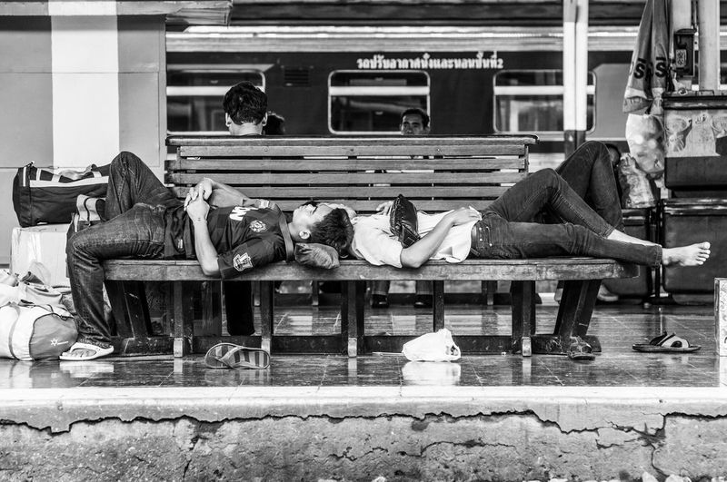 😴💤 HuaLamphong Railway Station Thailand Up Close Street Photography Blackandwhite Black & White Streetphotography Streetphoto_bw Streetphotography_bw Street Life Life The Street Photographer - 2016 EyeEm Awards Sleeping People Tired Waiting Everybodystreet Monochrome Photography Sleeping On A Chair Bored Train Station Lethargic Real People Telling Stories Differently Welcome To Black