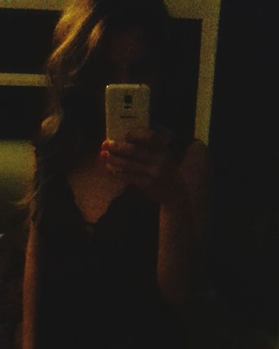 Bad pic 😂...but I say good night Indoors  One Person Photographing Adults Only Mobile Phone Communication Human Body Part Adult Selfie Human Hand One Young Woman Only Good Night Nice Evening Nightwear Bad Quality