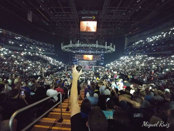 First live Raw Crowd WWE RAW Wwe BrayWyatt Followthebuzzard First Eyeem Photo