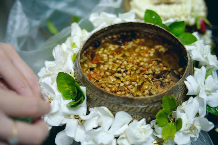 งานรดน้ำดำหัว Adorn Thailand Tradition Flower Hand Made Thalland Water White Flower