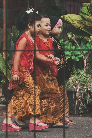 Kartini Days 😁 Kartini Days INDONESIA Childhood Children Adat Fun Up Close Street Photography The Street Photographer - 2016 EyeEm Awards