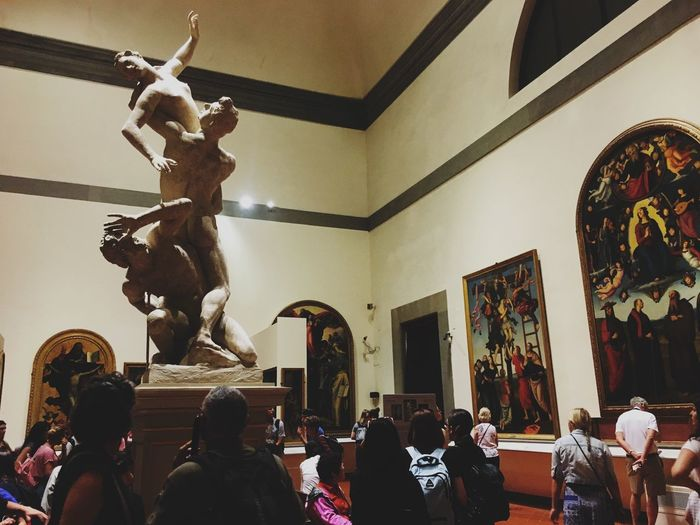Ratto delle Sabine Sculpture Italy People People Watching Art Gallery Of Art Florence Giambologna Group Of People Indoors  Architecture Real People Built Structure Ceiling Lifestyles Representation Creativity Decoration The Traveler - 2018 EyeEm Awards