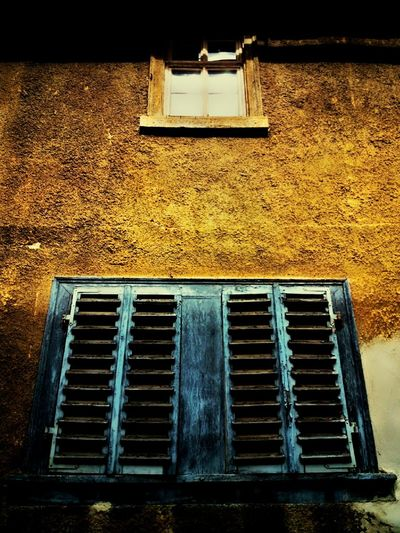 Metal Grate Building Exterior Architecture No People Outdoors Day Built Structure Façade Window Rusty
