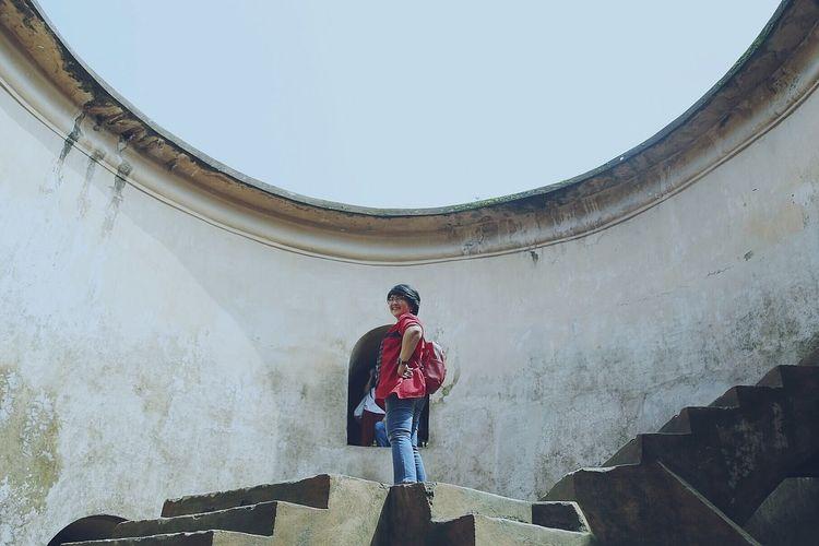 Ladder... Jogjaistimewa Jogja Yogyakarta Tamansariyogyakarta Photo Photography Photographer Photograph Canon Canonphotography Canonindonesia Canon_photos Canon6D Photography Canon6d
