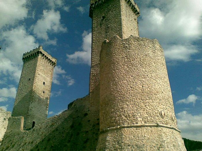 Abruzzo - Italy Pacentro Photo Italy Castles Mountain_collection Sky And Clouds Traveling Ancient Architecture