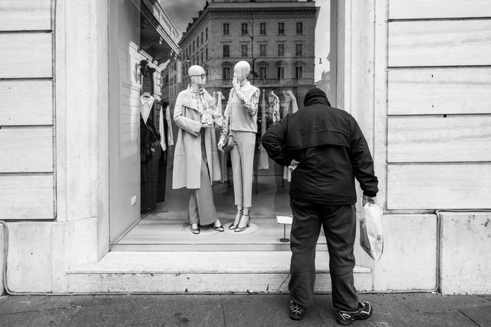 Rome, Italy, 2017 Urban Lifestyle Architecture Building Exterior Built Structure City Day Dummy Dummy Photos Lifestyles Men People Real People Rear View Standing Street Street Photography Streetphoto Streetphoto_bw Streetphotographer Streetphotography Streetphotography_bw Urban Urban Life