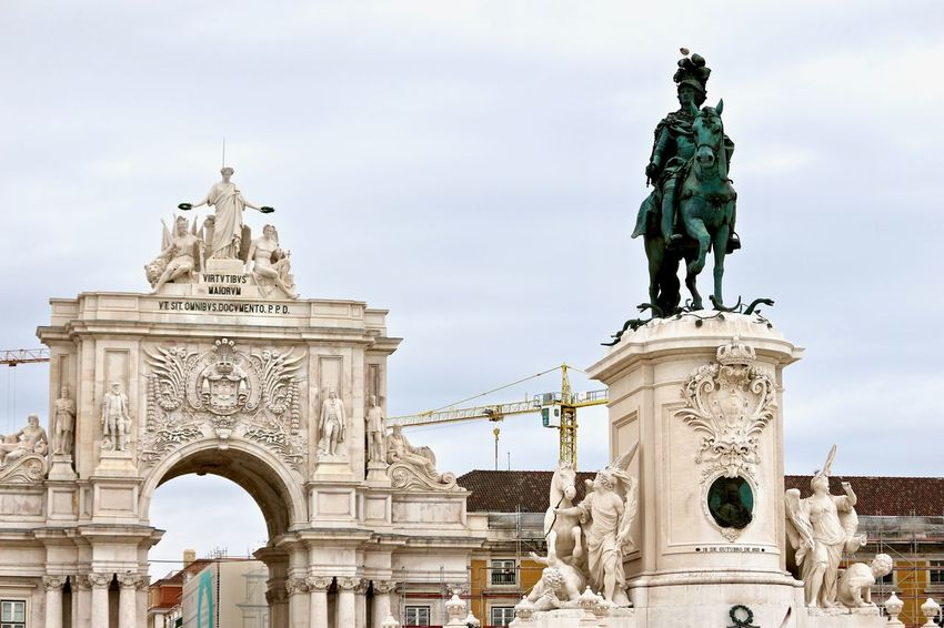 Story told through monuments Art And Craft Historical Building Monuments Rua Augusta Arch Triumph Arch Architecture Art And Craft Details History Human Representation Lisbon Low Angle View No People Outdoors Representation Sculpture Sky Statue Travel Travel Destinations