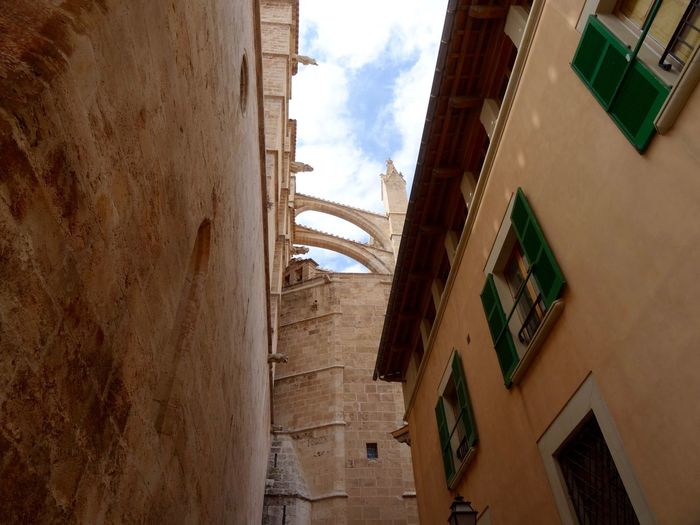 Arched Architecture Built Structure Cloudy Historic Low Angle View Old Town Sky