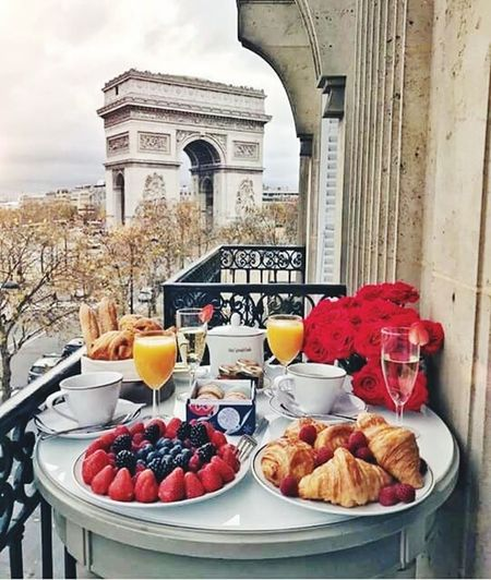 Food And Drink No People Fruit Food Plate Day Outdoors Healthy Eating Architecture Freshness Ready-to-eat Sky Champs-Élysées  Champselysées