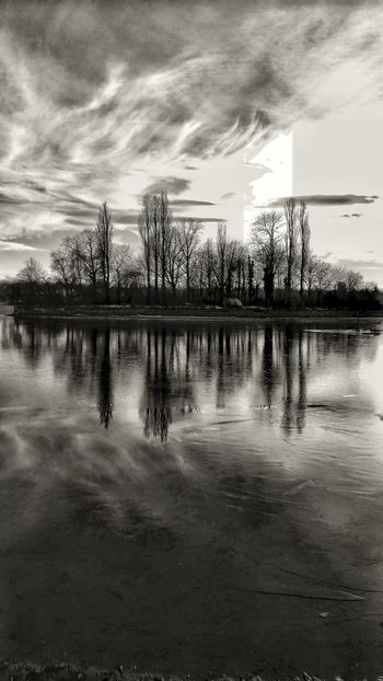 Sky Reflection Water Nature Outdoors No People Cloud - Sky Sea Sunset Beach Day Architecture Black And White Black & White Wintertime Reflection Dramatic Sky Artistic Edit Lake View Artistic Expression Island Life Tree Landscape Reflection Lake Trees