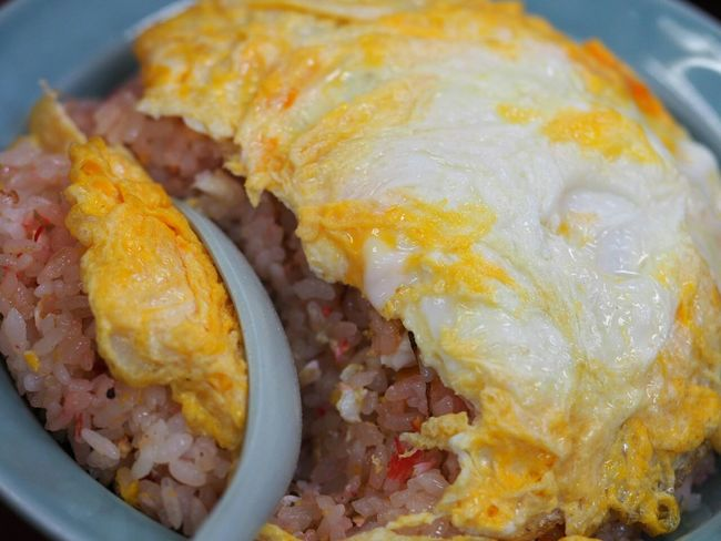 Chinese Food Enjoying A Meal Food Fried Rice Taking Photos Foodphotography Yummy Egg In My Mouf Food Porn ①玉子チャーハン(やはり赤い)と…
