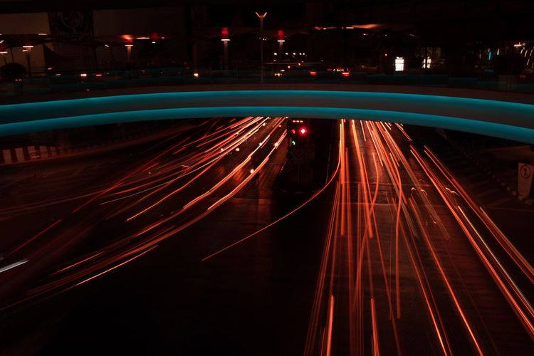 transport never stops Long Exposure City Illuminated Red Bridge - Man Made Structure Long Exposure Light Trail Speed Business Finance And Industry Road Traffic Tail Light Headlight Traffic Jam Road Intersection Stoplight