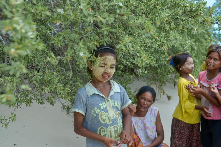 Bajau women and