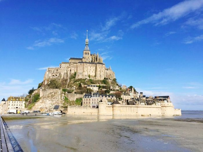 Clear Sky Sky Paris ❤ France🇫🇷 Outdoors Art Is Everywhere Le Mont Saint-Michel Beautiful