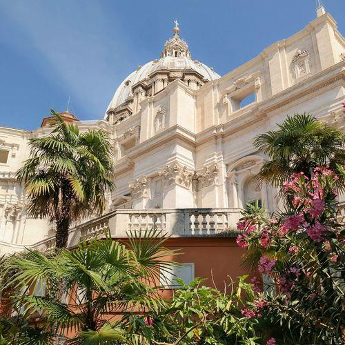 St. Peter's basilica Meet Rome Rome Seeing The Sights Vatican Campo Santo Teutonico Vatikan St. Peter's Basilica BasilicaDiSanPietro