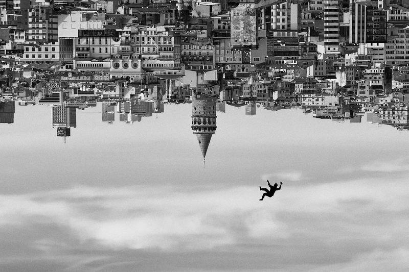 Free fall from galata