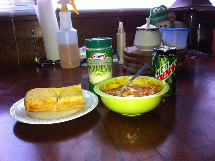 Lunch, spaghetti & meatballs, garlic bread and a Mountain Dew!