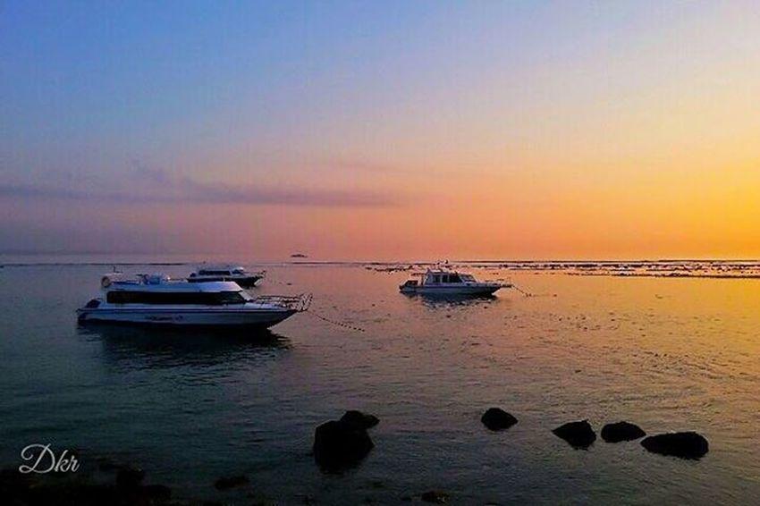 StillLife Ship Fastboat Sunrise Sanur Beach Bali Amazing Awesome View Landscape Nature Balicili Livefolkindonesia Livefolk Matalensa Fotografi Fotografiponsel Kamerahpgw Kamerahpgw_bali Mobilephotography PhonePhotography Photograph Picture Igaddict igers traveling instagram instapic