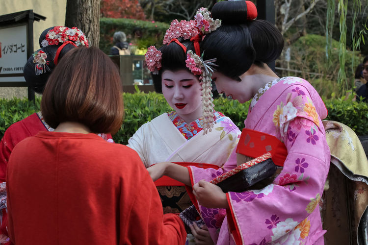 Maiko Japanese Culture Japanese Fashion Japanese Girls Japanese Style Japanese Traditional Maiko Maiko Of Kyoto My Year My View Old But Awesome Old House Old Town Peple Photography
