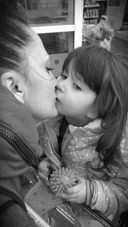 I love my mama! Reallove Kiss Mother & Daughter Motherhood Motherslove Daughter Childhood