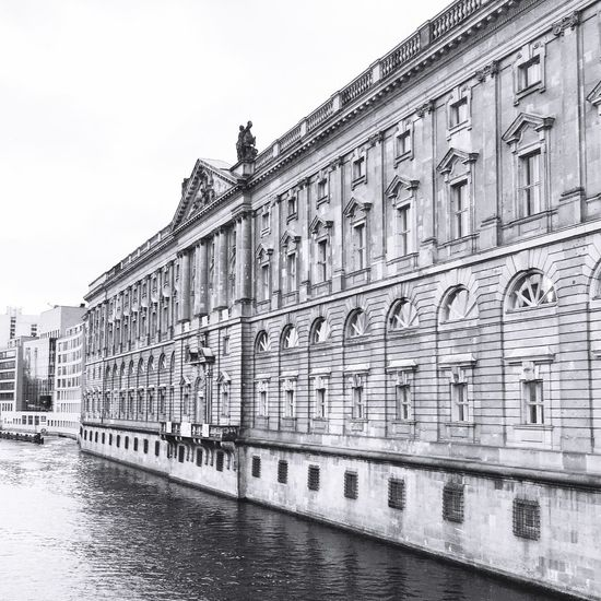 Berlin Berliner Ansichten Berlincity Berlin Museuminsel Architecture Architecture_collection Houses And Windows Black & White Black And White Spree Riverside City Life Cityscapes City Berlin Mitte