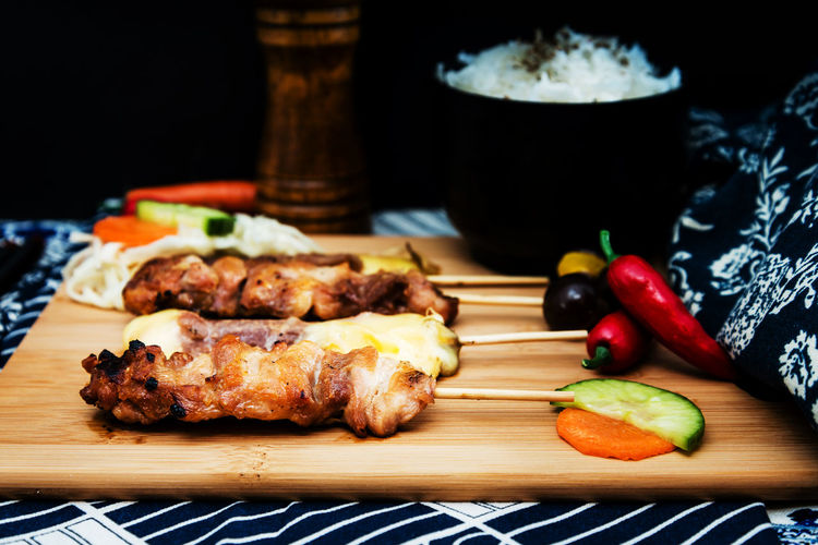 Dinner Lunch Barbecue Chicken Chicken Meat Close-up Cutting Board Delicious Eating Healthy Focus On Foreground Food Food And Drink Freshness Grilled Healthy Eating Indoors  Meal Meat No People Ready-to-eat Still Life Table Temptation Vegetable Wellbeing White Meat