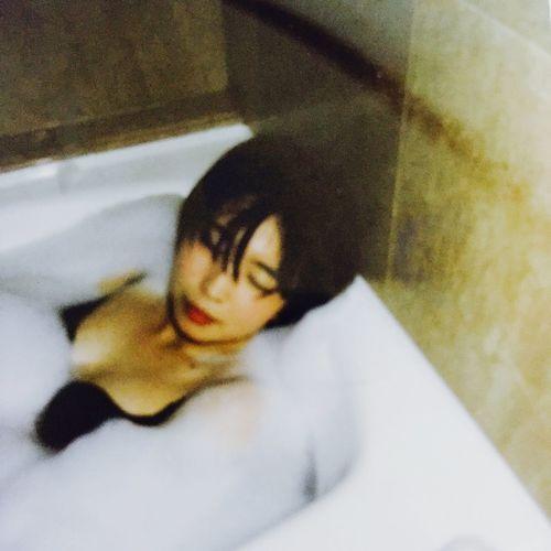 Bath Bathtub Bathroom Selfie Bathing Close Eyes Shorthair Its Me Black Hair Bubble Bath Face Red Lips ❤