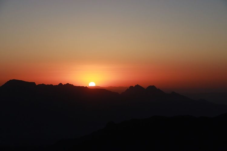 Sunrise Mountains Nature Beauty In Nature RedSky Redsunsunrise EyeEm Selects