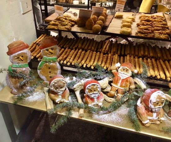 cool gang 🤪 Italian Food Arancini Supplì Rome Italy For Sale No People Christmas Decoration Christmastime Creativity Fooddesign Visualmerchandising Sweet Food